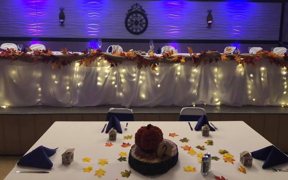 Autumn Leaves on the Head Table