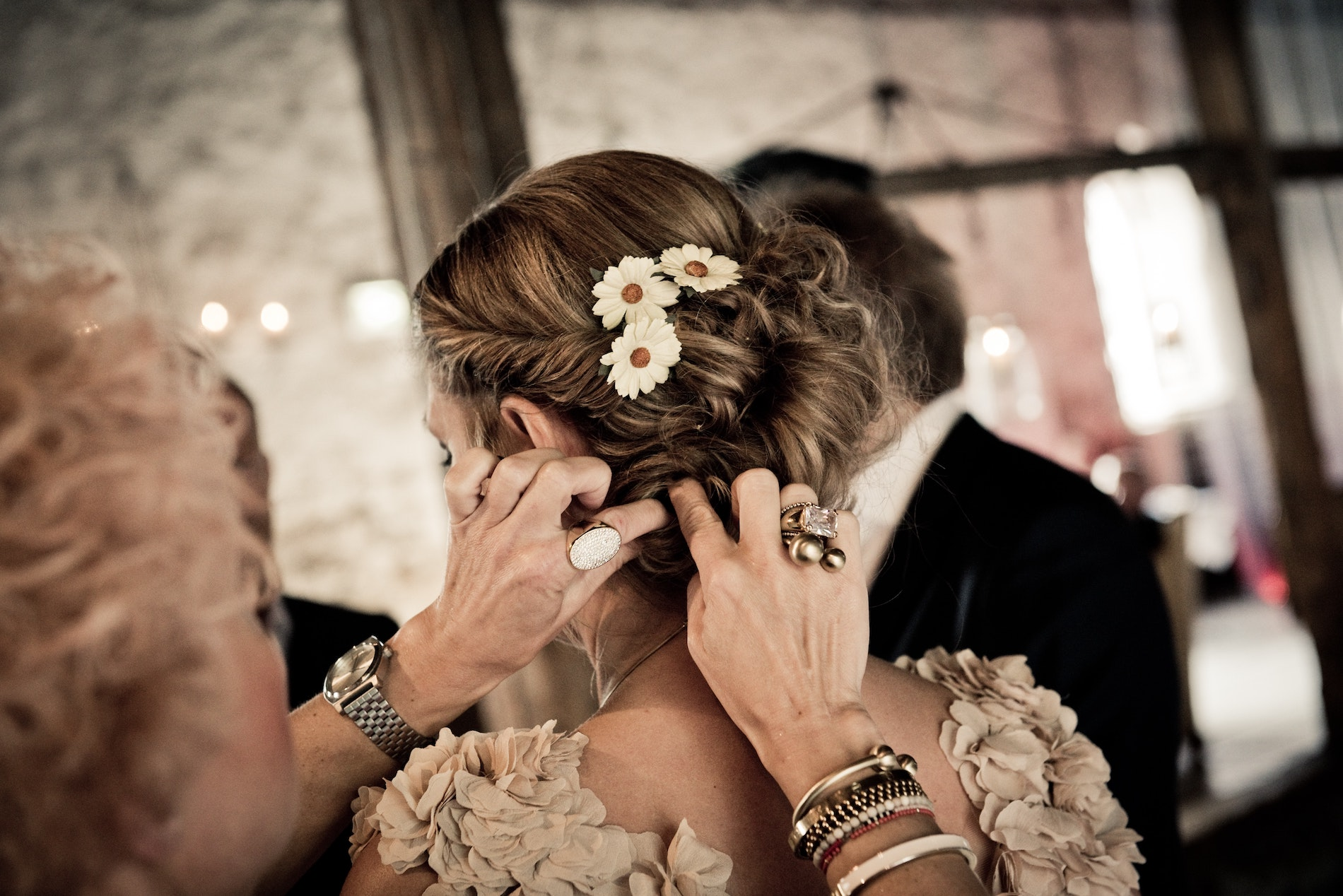 This Year's Hottest Bridal Hair Accessories
