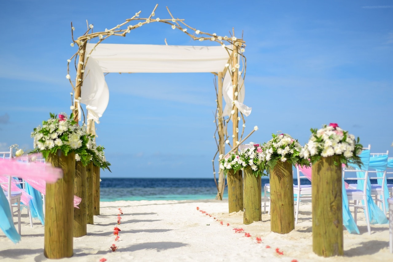 Ceremony and Head Table Backdrop Inspiration